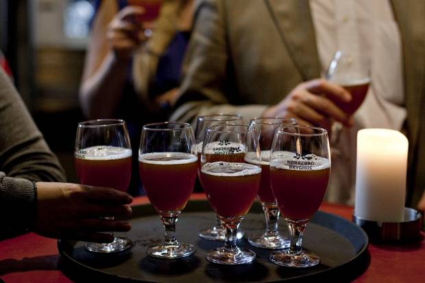 Mens deltagelsen på Mikkellers kommende ølfejring i København er stærkt påvirket af afbud fra bryggere, regner man hos Danske Ølentusiaster med ny publikumsrekord til årets Ølfestival fredag og lørdag.