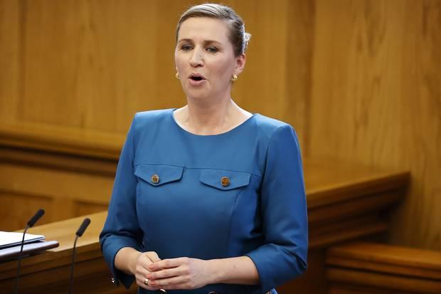 Statsminister Mette Frederiksen oplyser, at hun mandag og tirsdag i næste uge deltager i klimatopmøde.